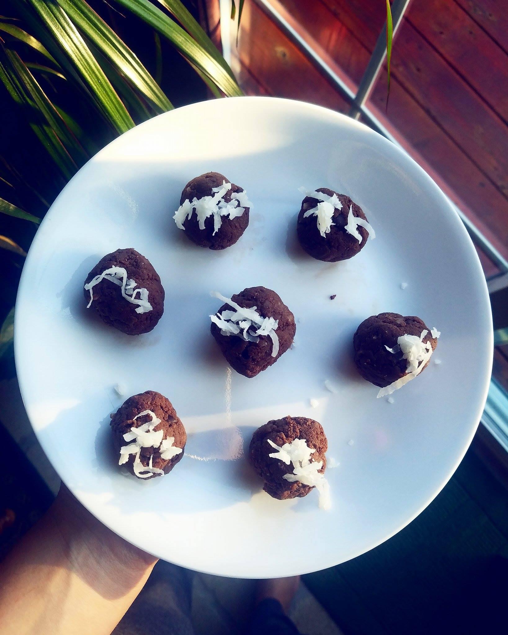 dark chocolate coconut protein bites